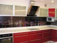 Кухонный гарнитур Пластик в алюминиевой рамке, красное дерево