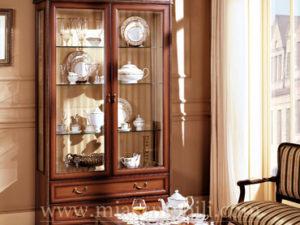 Шкаф двухдверный для посуды орех в Миассе