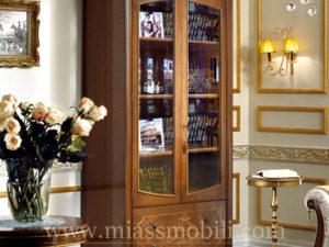 Витрина двухдверная для книг орех в Миассе