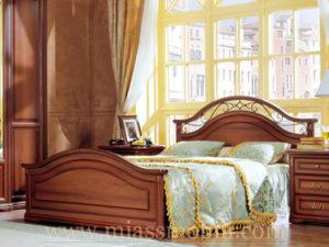 Двуспальная кровать, вариант №1