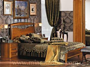 Двуспальная кровать с кованым элементом без ножной спинки орех в Миассе