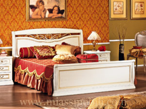 Двуспальная кровать с кованым элементом и прямой ножной спинкой белая в Миассе