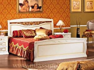 Двуспальная кровать с кованным элементом и гнутыми спинками белая в Миассе